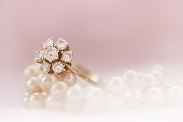 ring-2571761_640