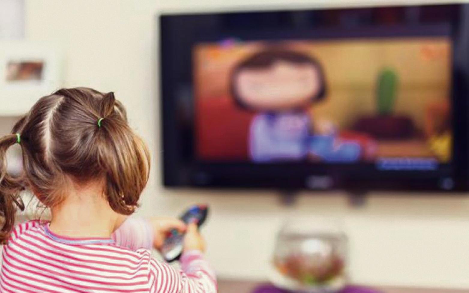 Çocuğunuza Uzun Saatler Televizyon İzletmeyin